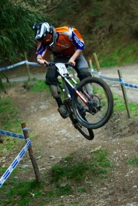 Biking DH (Caersws) 080503-0168